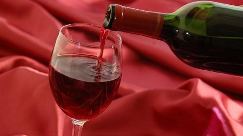 Szeretnél tovább élni? Kezdj el vörösbort inni!