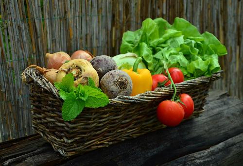Az élő ételek csodálatos ereje évtizedekkel megfiatalíthat